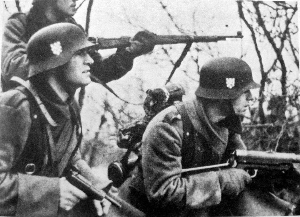 Солдаты 369-го хорватского полка в районе Сталино.