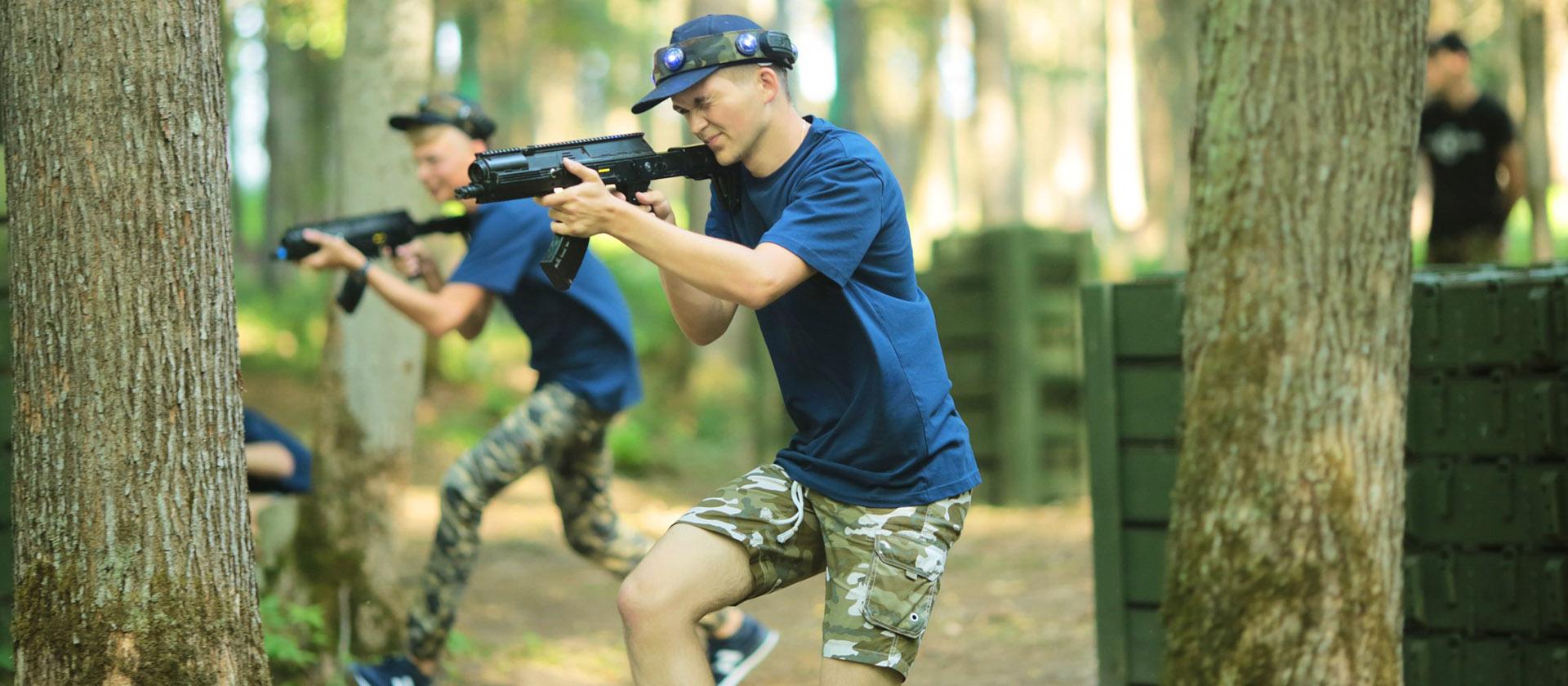 Воспитать героев: «Армейский стандарт» побывал в экспериментальном детском лагере в парке «Патриот»