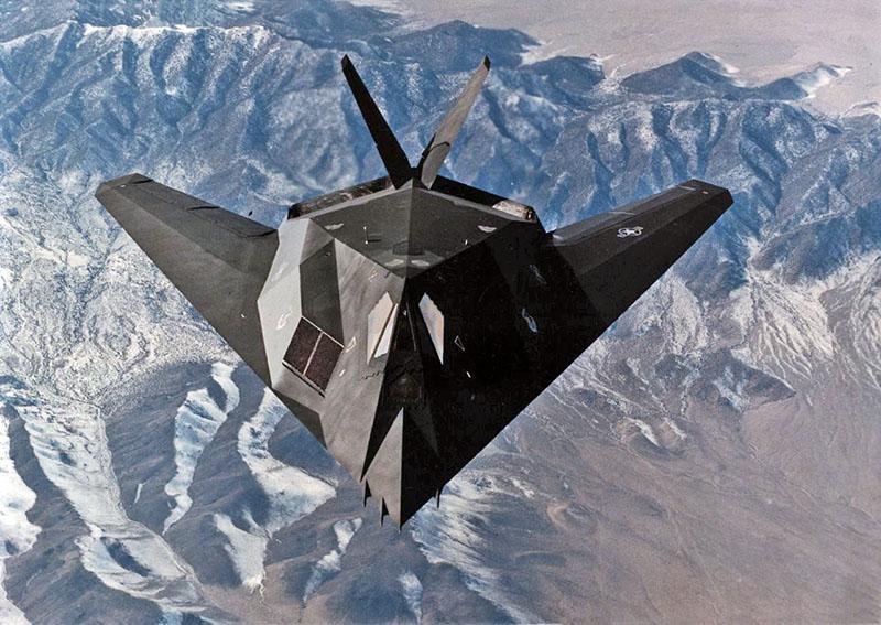 F-117А Nighthawk.
