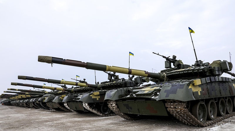 На горловском направлении Киев сосредоточил 120 танков.