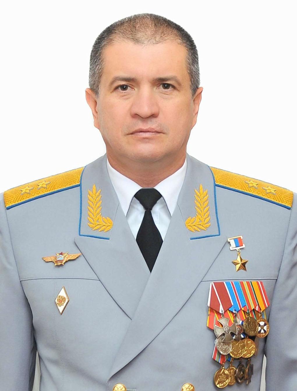 Командующий дальней авиацией Сергей КОБЫЛАШ.