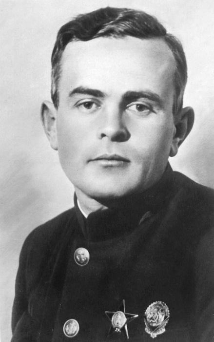 Руководитель министерства морского флота Ширшов.