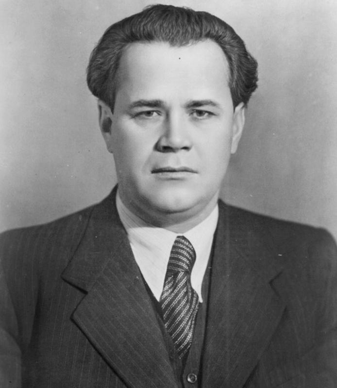 Сотрудник ЦК ВКП(б) Патоличев также поверил аферисту.