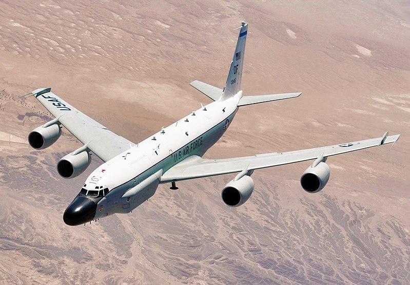 Самолёт-разведчик RC-135.