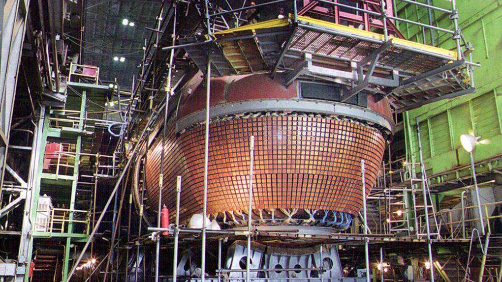 Конформная антенна гидроакустического комплекса.