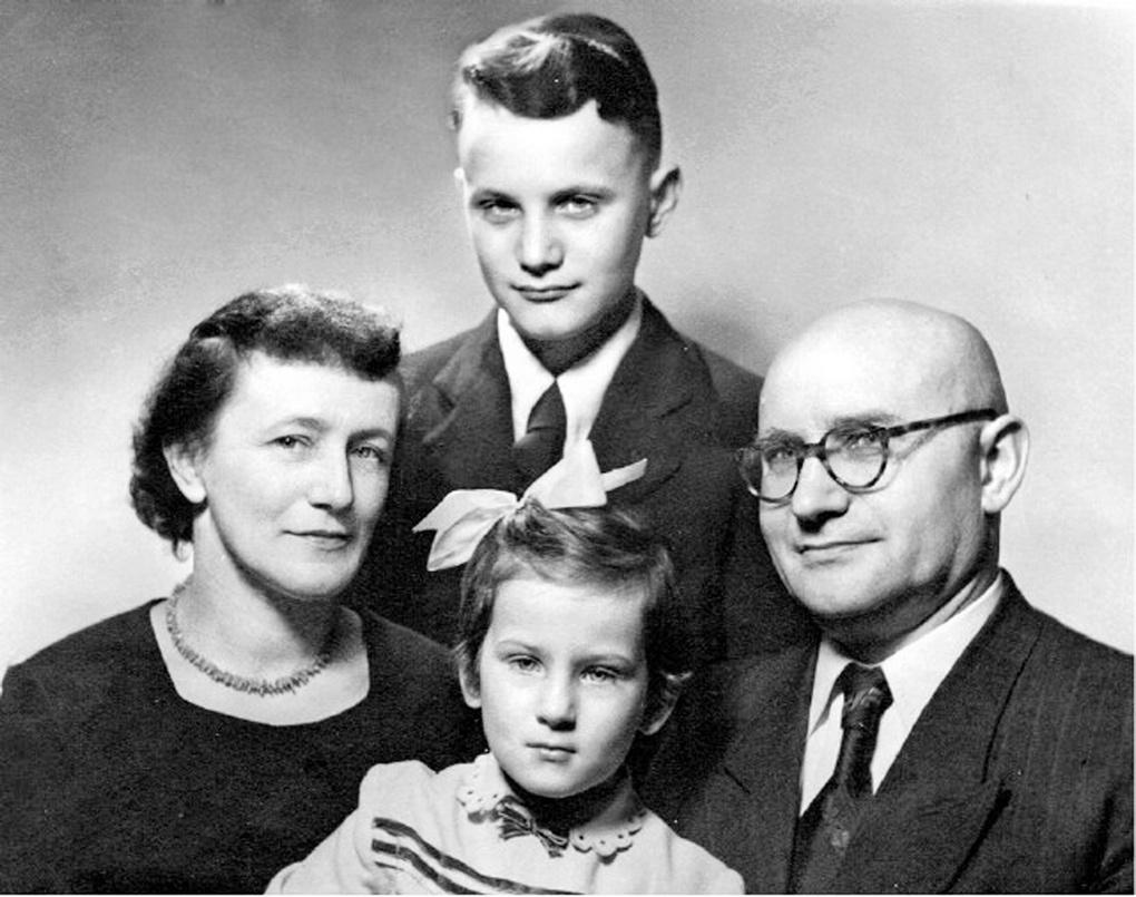 Семья Ребетов 1956.