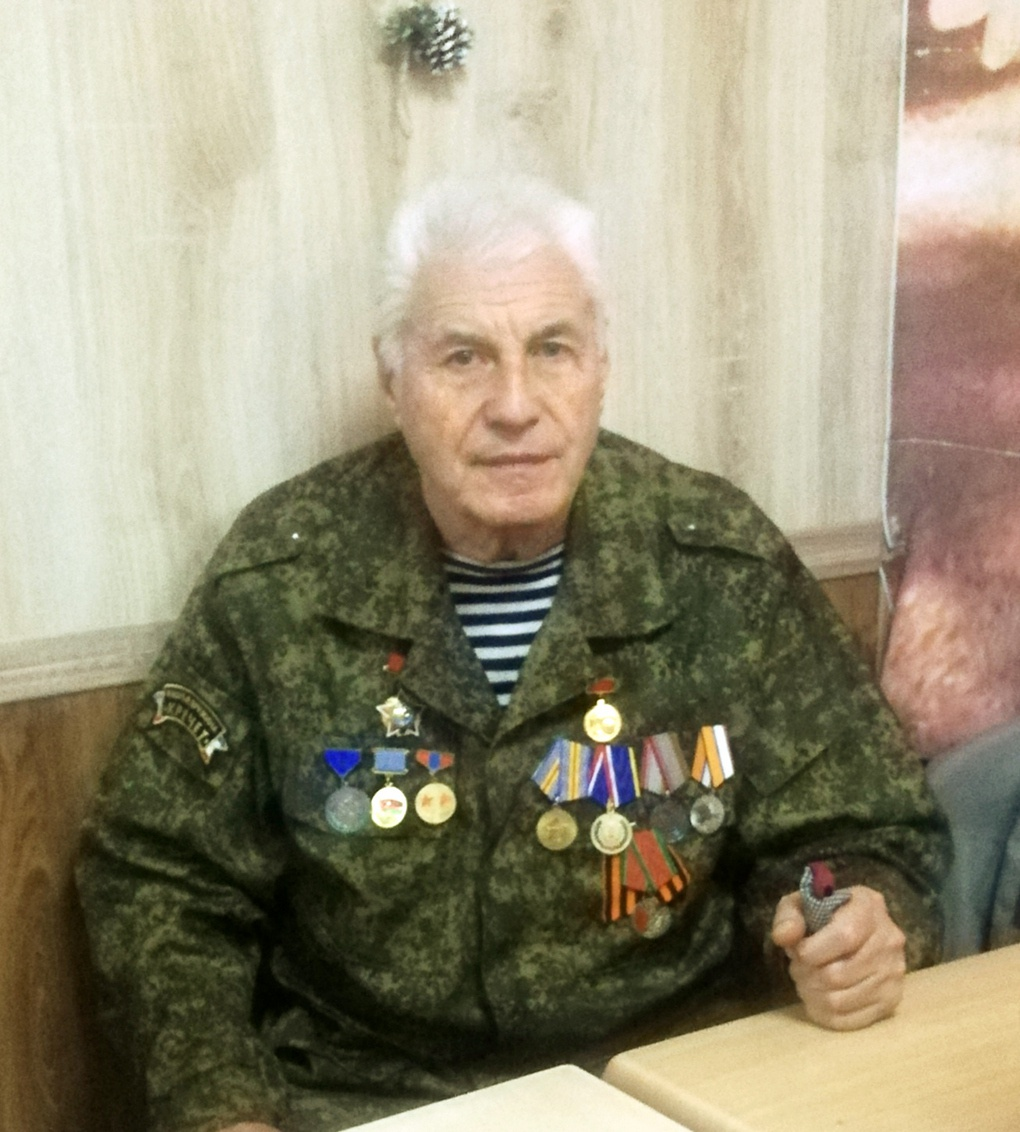 Г.И.Мельников во время интервью.