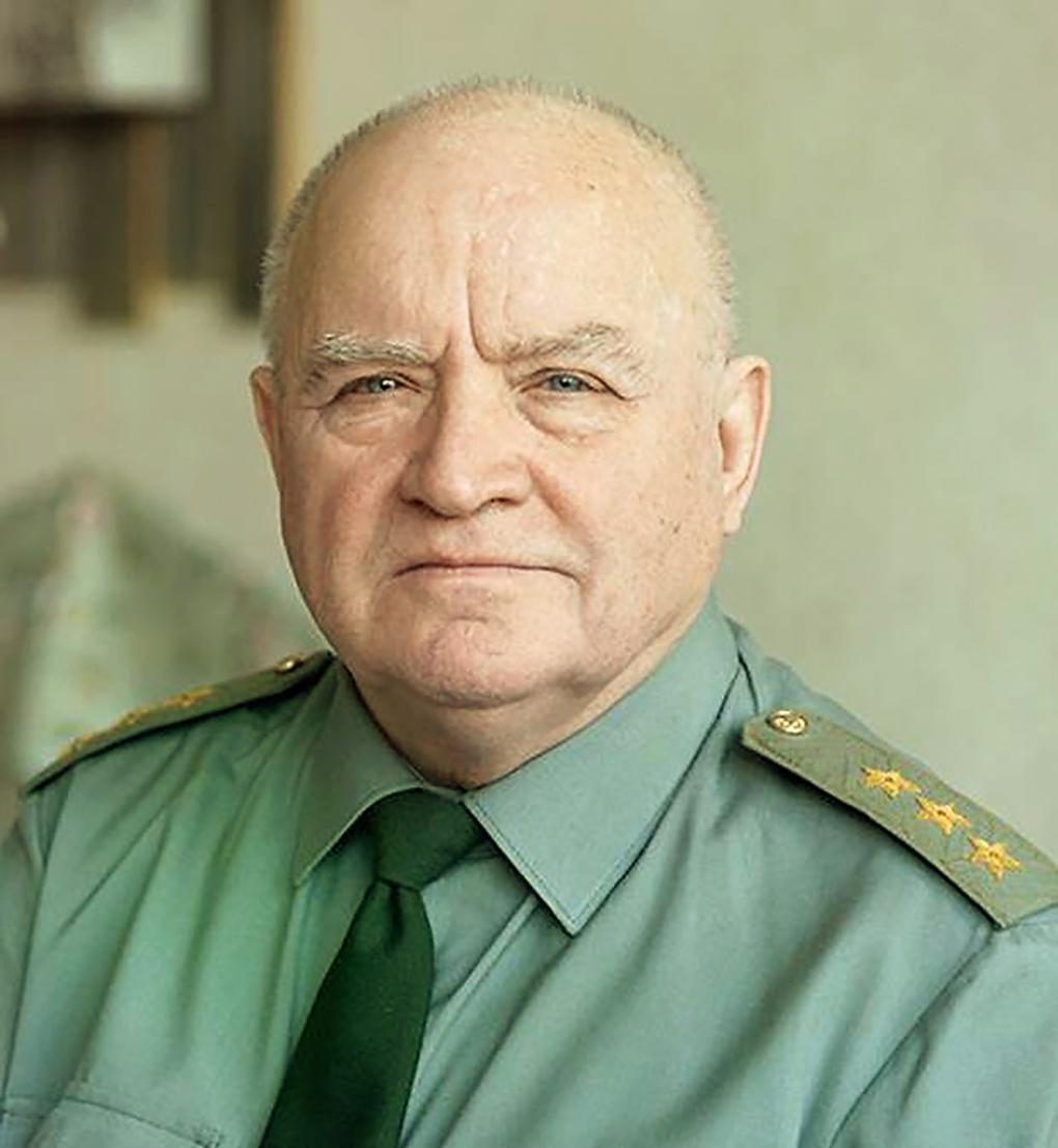 Бывший начальник Главного штаба Ракетных войск стратегического назначения (1994-1996) генерал-полковник Виктор Есин.