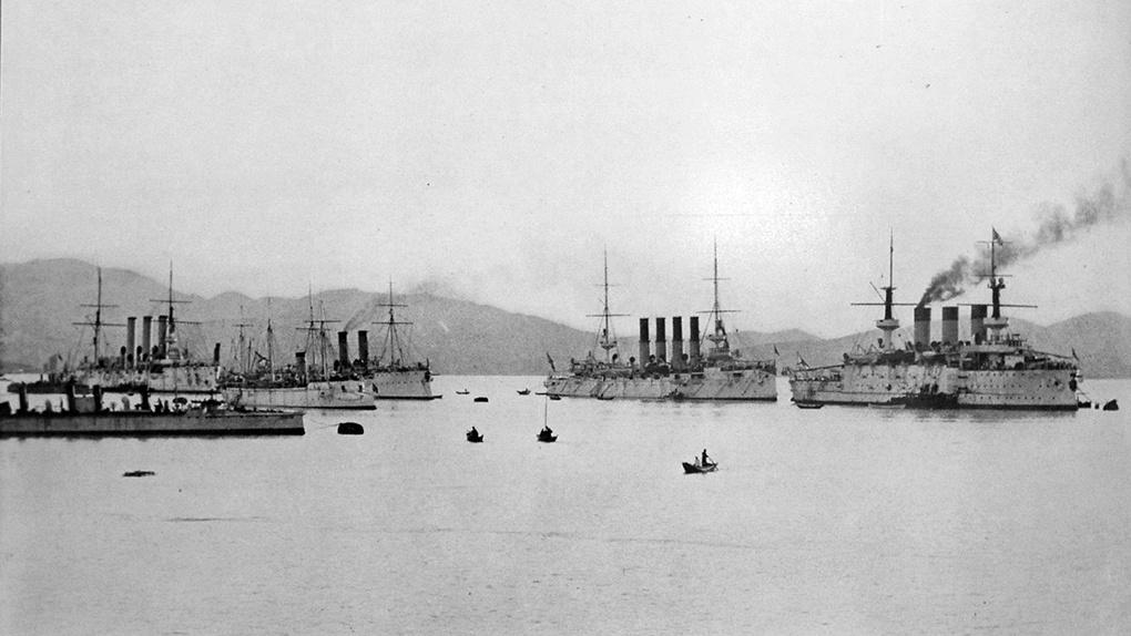 Корабли Тихоокеанской эскадры в Порт-Артуре перед началом войны.
