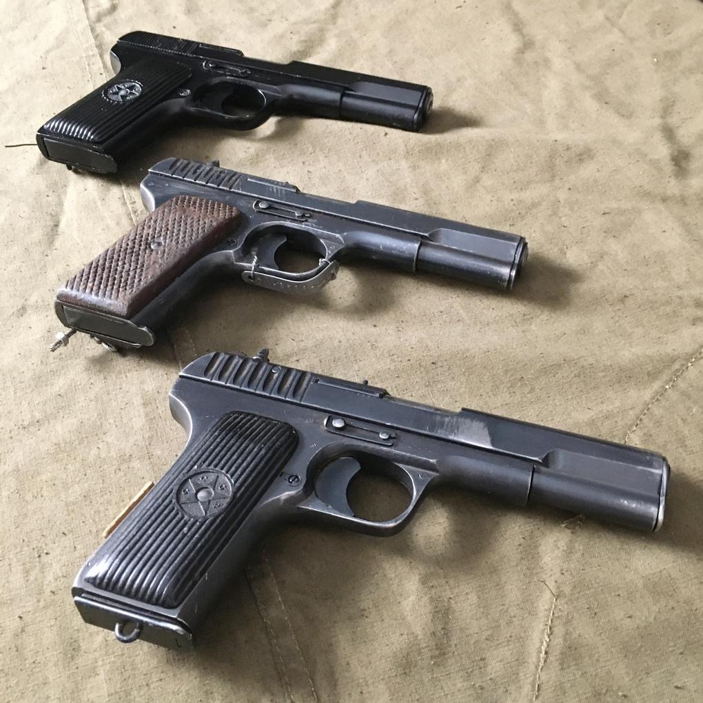 Пистолеты ТТ из музейного собрания.