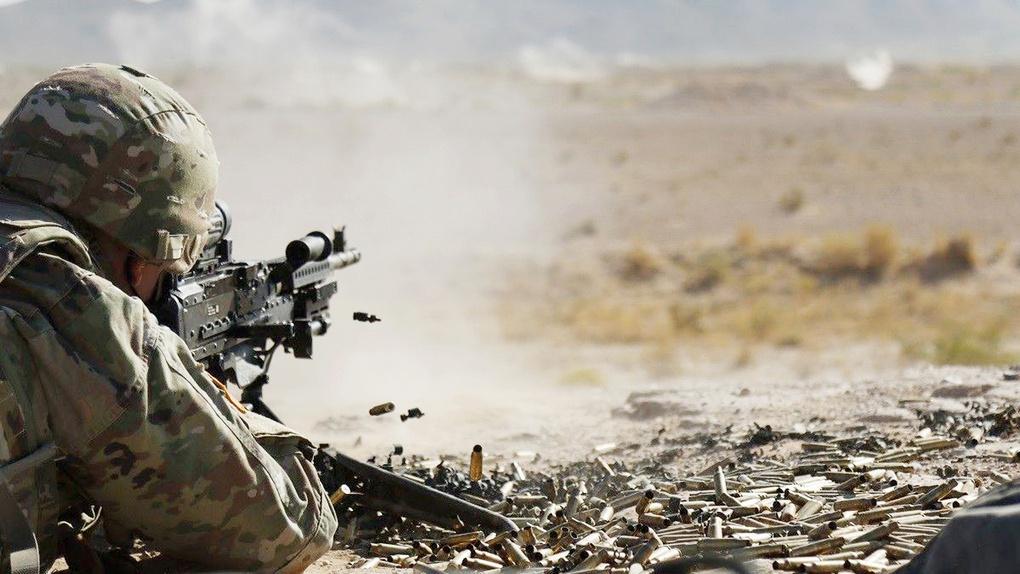 Солдат оттачивает снайперские навыки на полигоне Кэмп-Макгрегор, штатНью-Йорк, 25 сентября 2020 года.