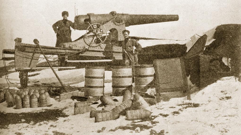 Одно из крепостных орудий брошенных турками в форте Меджидие.