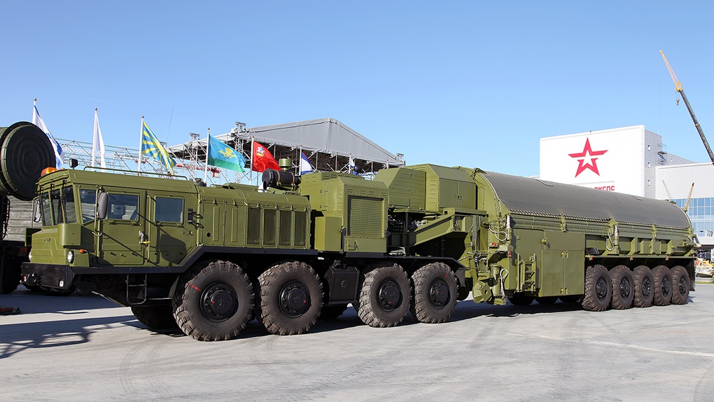 Транспортно-перегрузочный агрегат 3Ф30-9 из комплекса средств наземного обслуживания 3Ф30 стратегического ракетного комплекса подводных лодок 3К30 «Булава».