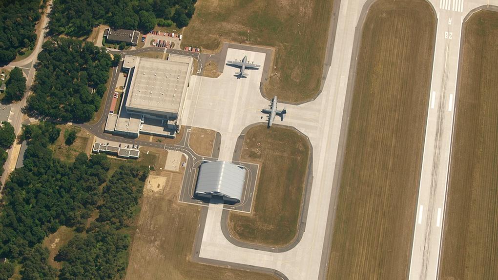33-я авиационная база в Повидз (Польша).
