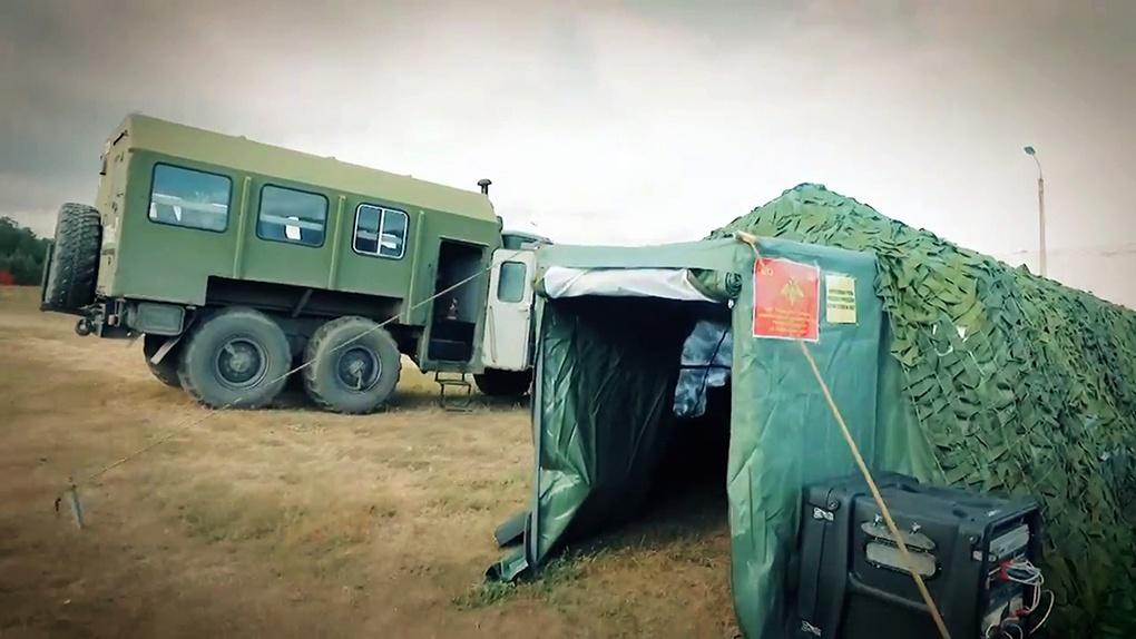 Военные финансисты в полевых условиях.