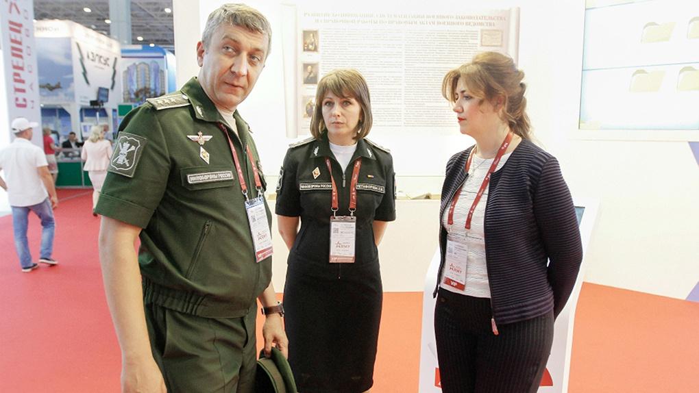 Система позволяет оперативно доводить правовые акты Минобороны России до конкретных воинских частей.