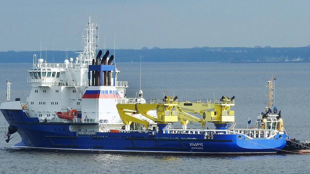 Головное судно Эльбрус.