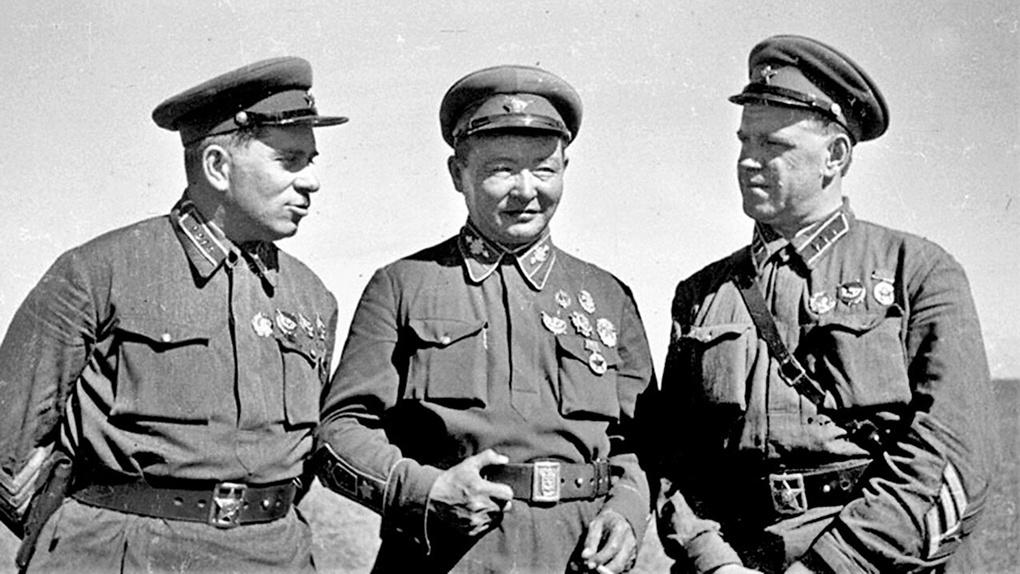 Г.М.Штерн, Х.Чойбалсан и Г.К.Жуков.