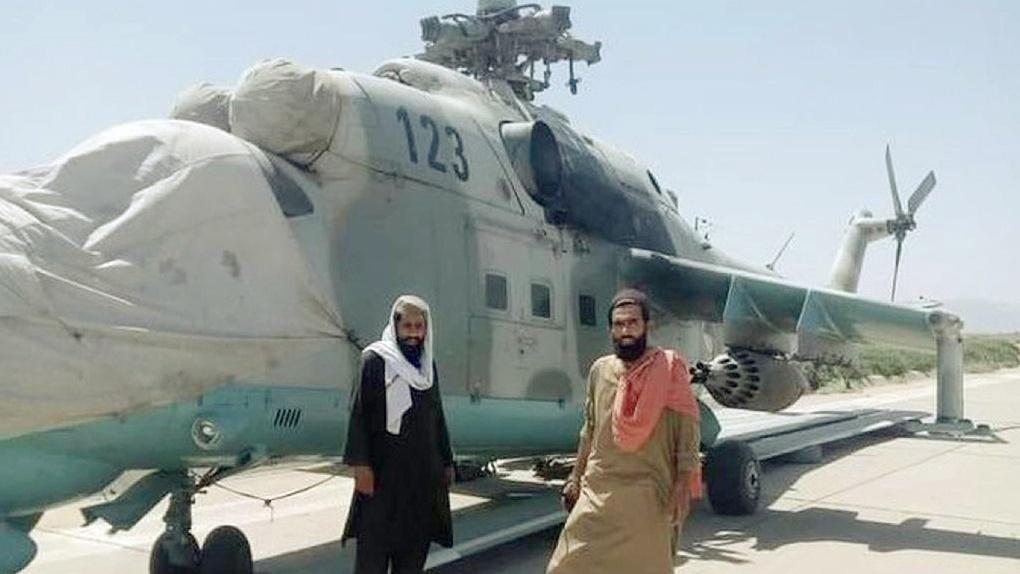 Талибы* захватили вертолет Ми-35 в Афганистане.
