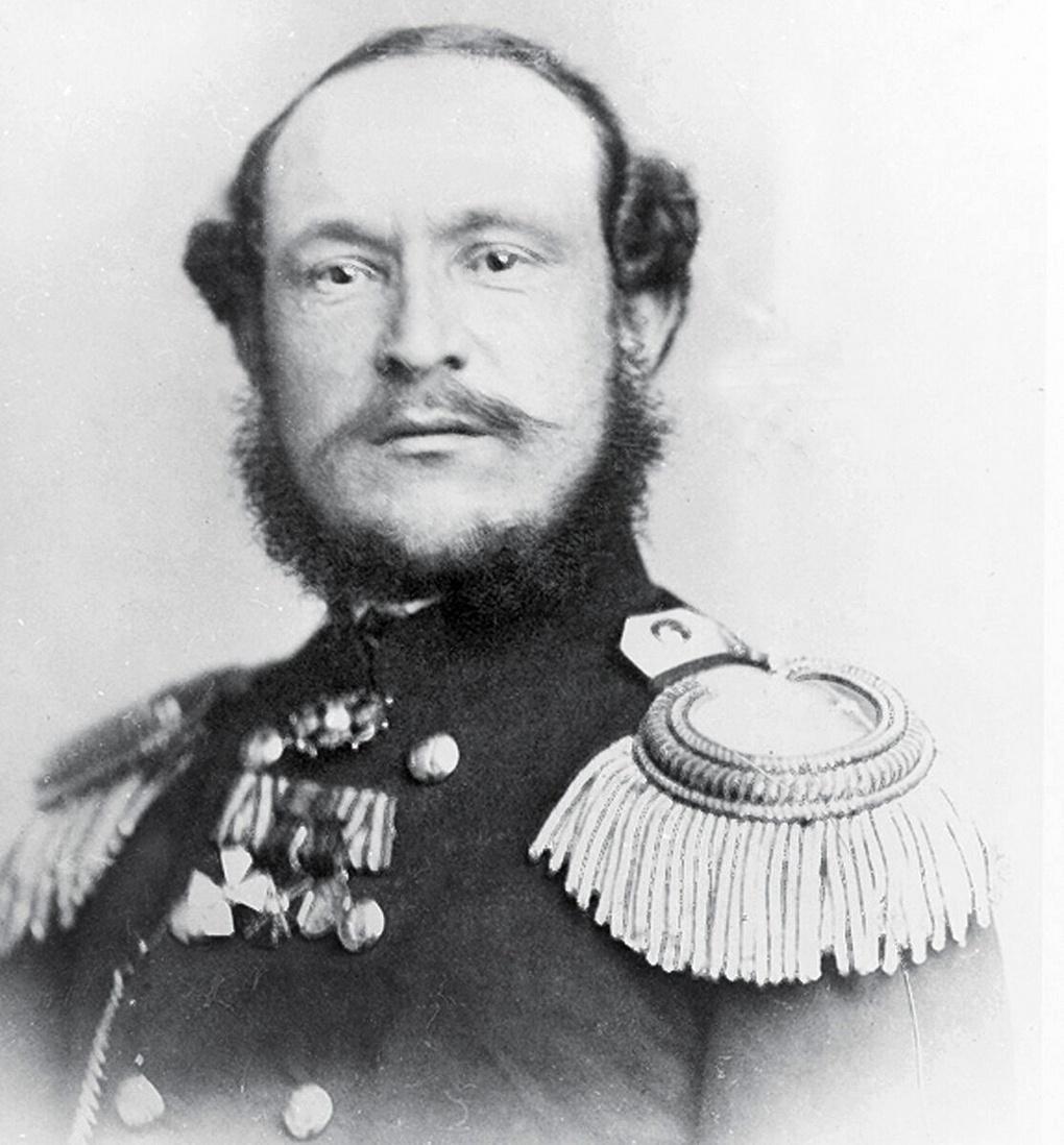Дмитрий Петрович Максутов.
