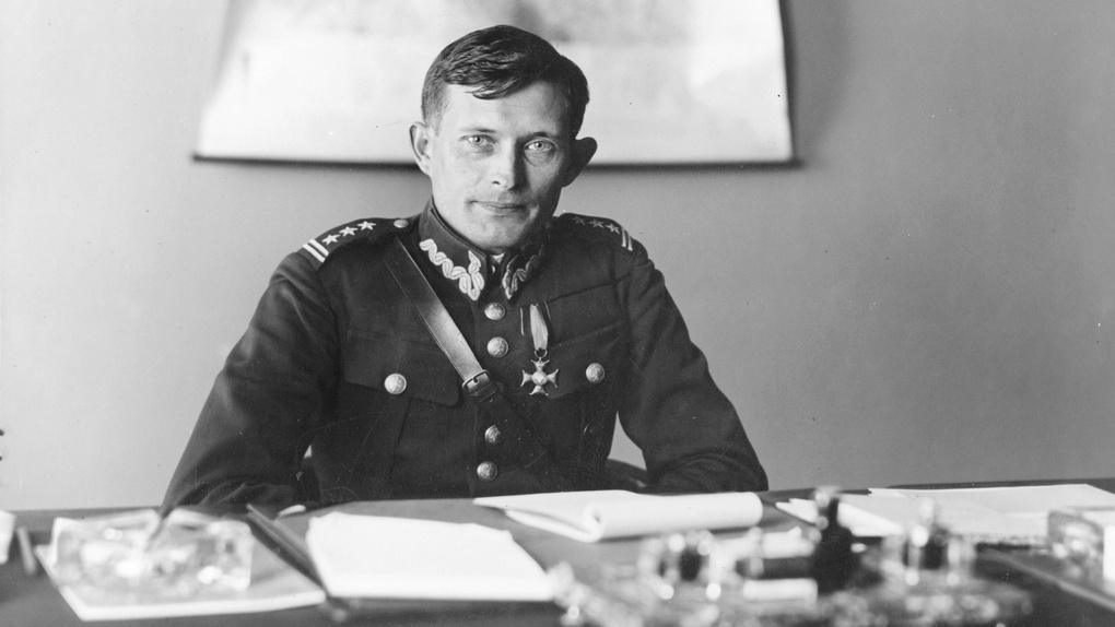 Польский бригадный генерал Владислав Лангнер, руководитель обороны города Львова.