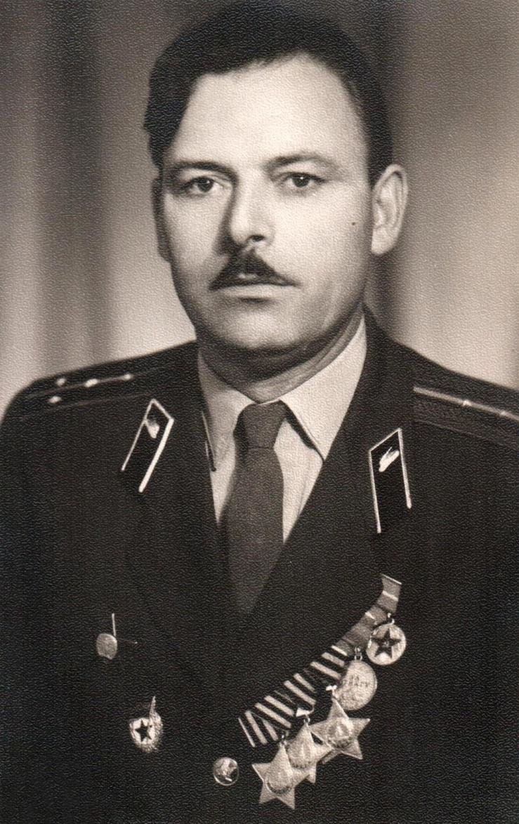 Полный кавалер ордена Славы Иван Кузнецов.