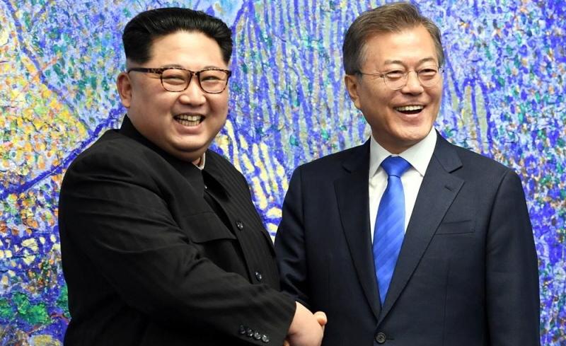 Во время встречи лидеров Северной и Южной Корей.