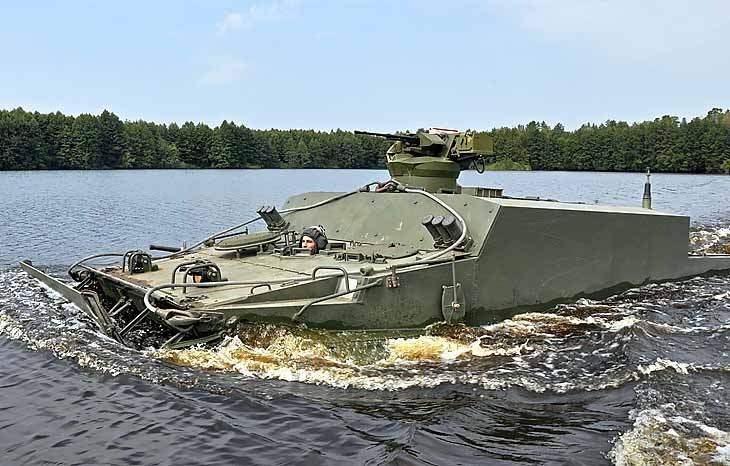 Бронетранспортер БТ-3Ф.