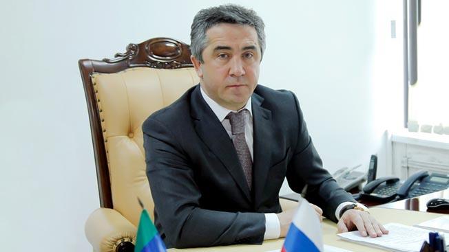 Мэр города Магомед Абдулаев.