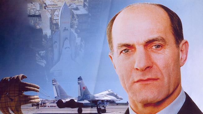 Легенды армии. Летчик-герой Магомед Толбоев
