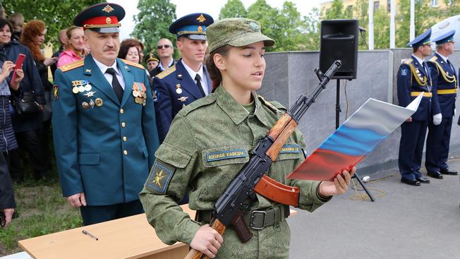 «Пиджаки» уйдут в прошлое и вольются в военную элиту