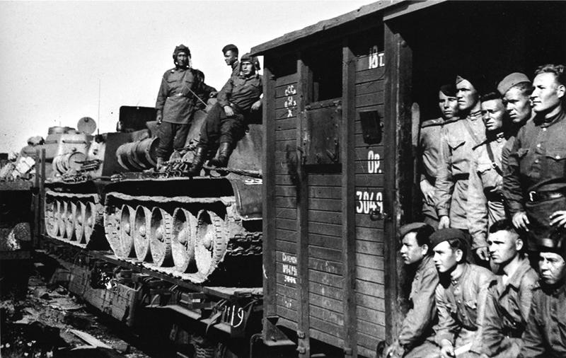 Эшелон идет на фронт, Отечественная война 1944 год.