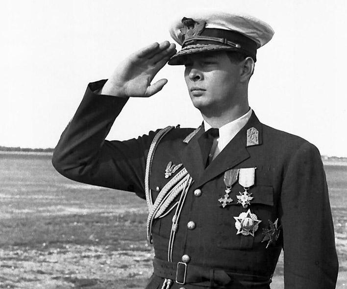 Король Румынии Михай.