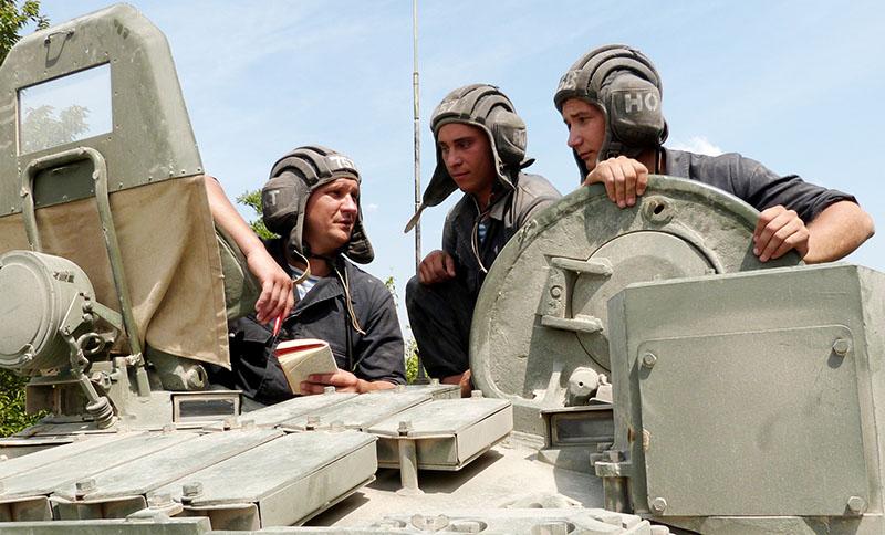 Десантники-танкисты.