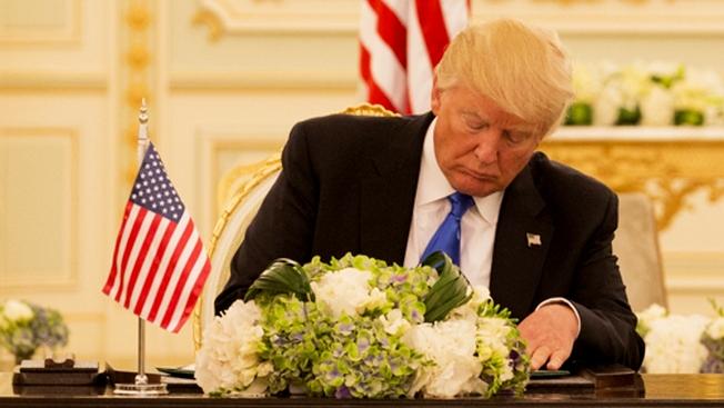 Трамп напугал европейских союзников по альянсу «письмами счастья»
