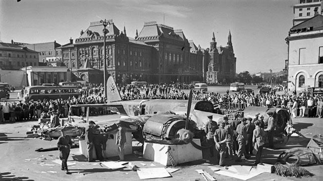 Первая «прогулка» немцев над Москвой: 22 сбитых бомбардировщика