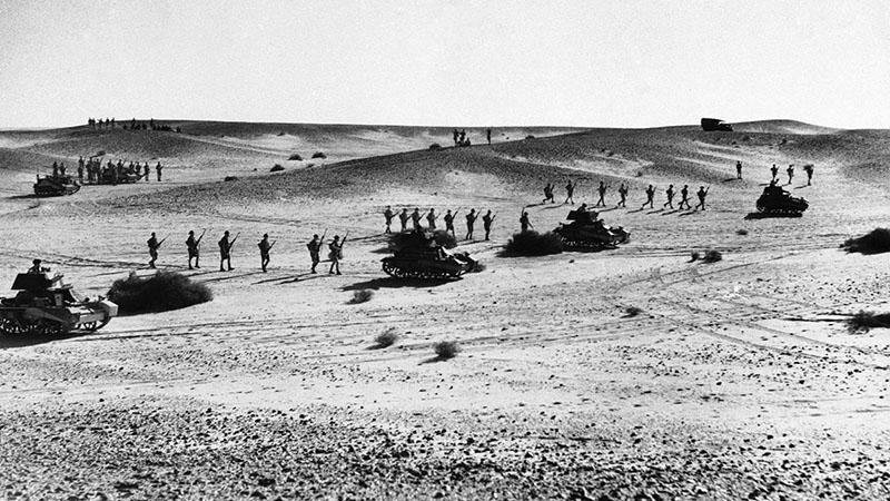 Высадка англо-американских войск в Северной Африке.