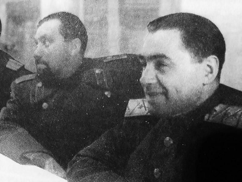 Павел Судоплатов (справа) и Наум Эйтингон.