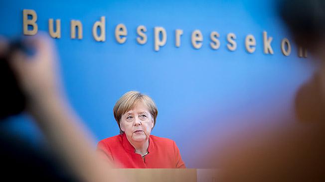 Милитаристское двуличие Ангелы Меркель
