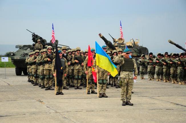 Вступление в ЕС и НАТО остаётся стратегической задачей Киева.