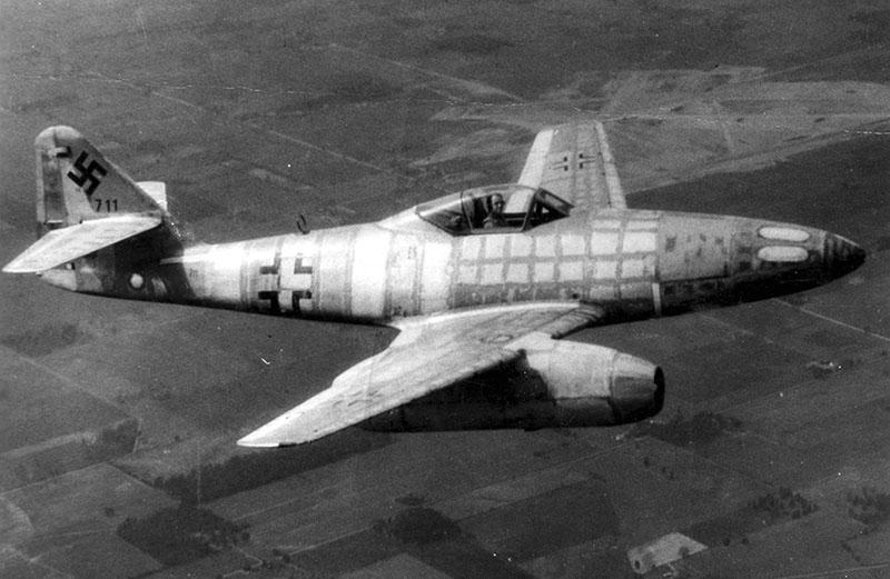 Реактивный истребитель Ме-262.