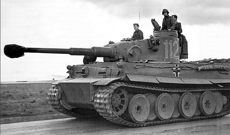 Техническую информацию о танке «Тигр» Черняк передал в Москву.