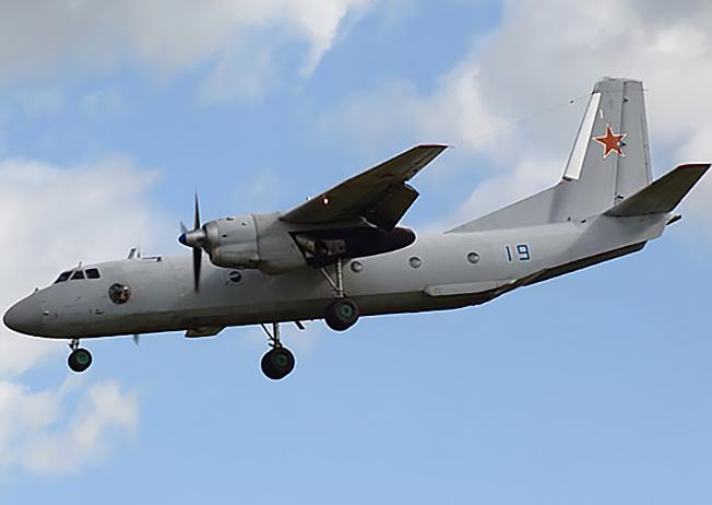 Военно-транспортный самолёт Ан-26.