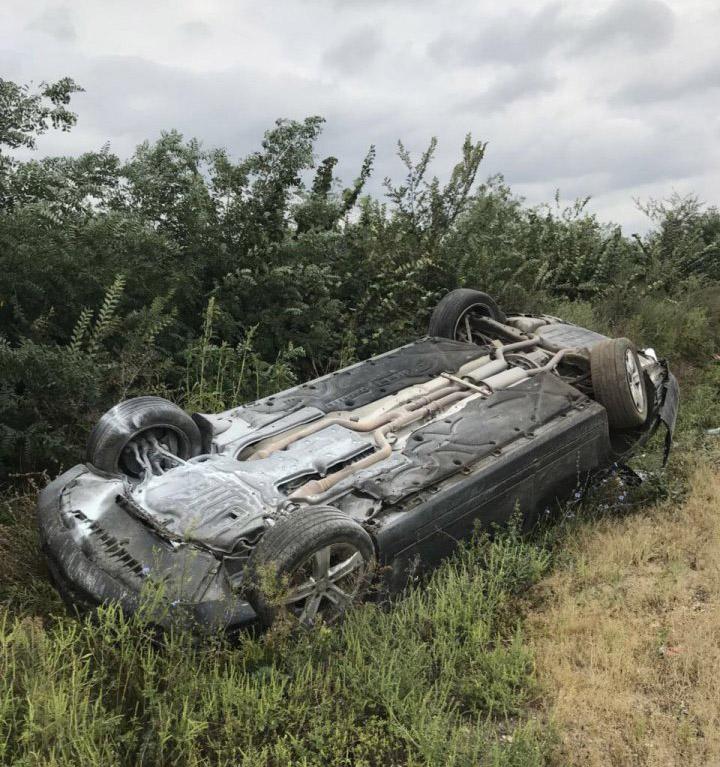 Mercedes президента Додона перевернулся после аварии.