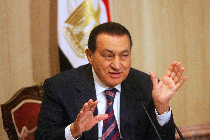 Президент Египта Хосни Мубарак ввел ас-Сиси в узкий круг «личной гвардии».