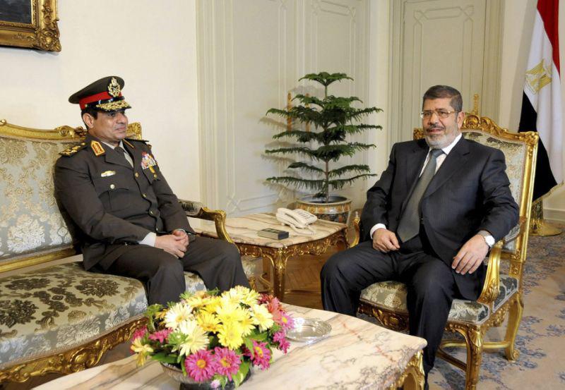 Абдель Фаттах ас-Сиси не мог не видеть, в какую трясину завел всего за год Египет президент Мухаммед Мурси.