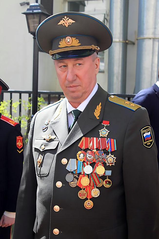 Генерал-лейтенант авиации Анатолий Сурцуков