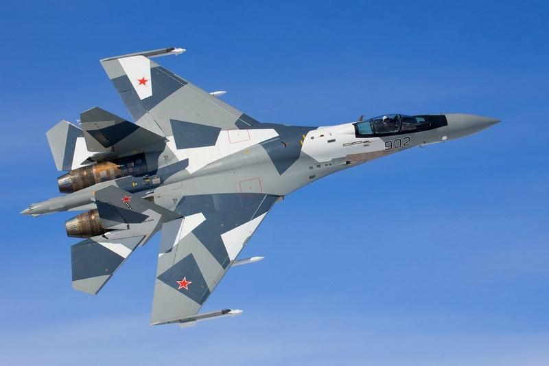 Су-35С в небе Сирии.