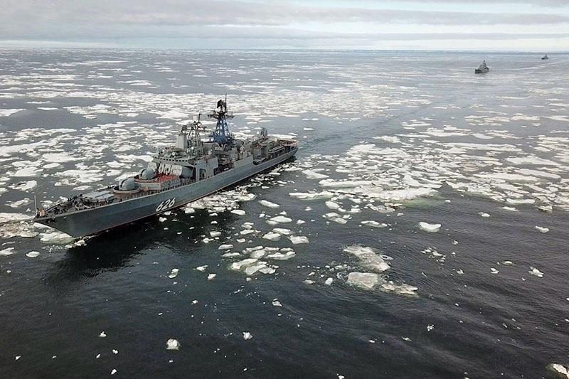 Проход отряда кораблей Северным морским путем.