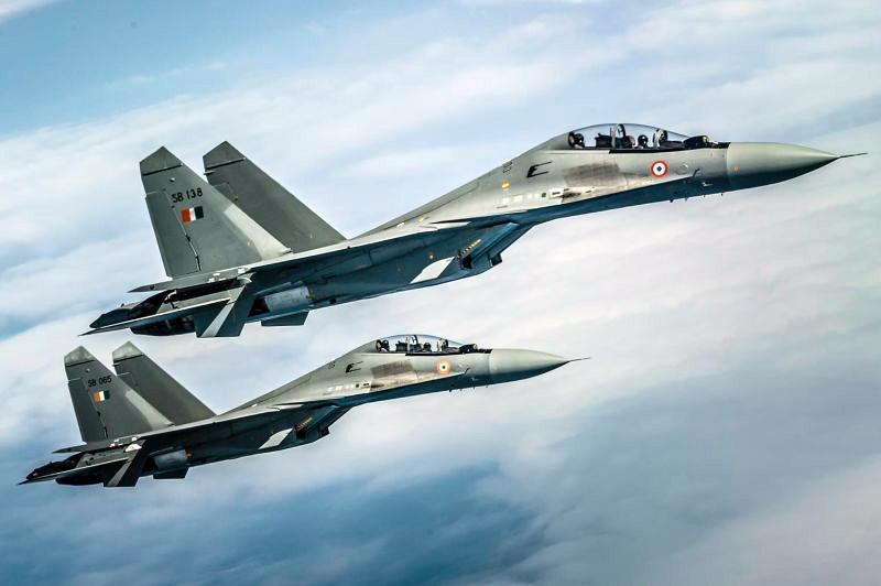 Многофункциональные истребители Су-30МКИ собираются на заводах Индии.